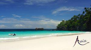 indonesia-yacht-charter-dramai-beach-2