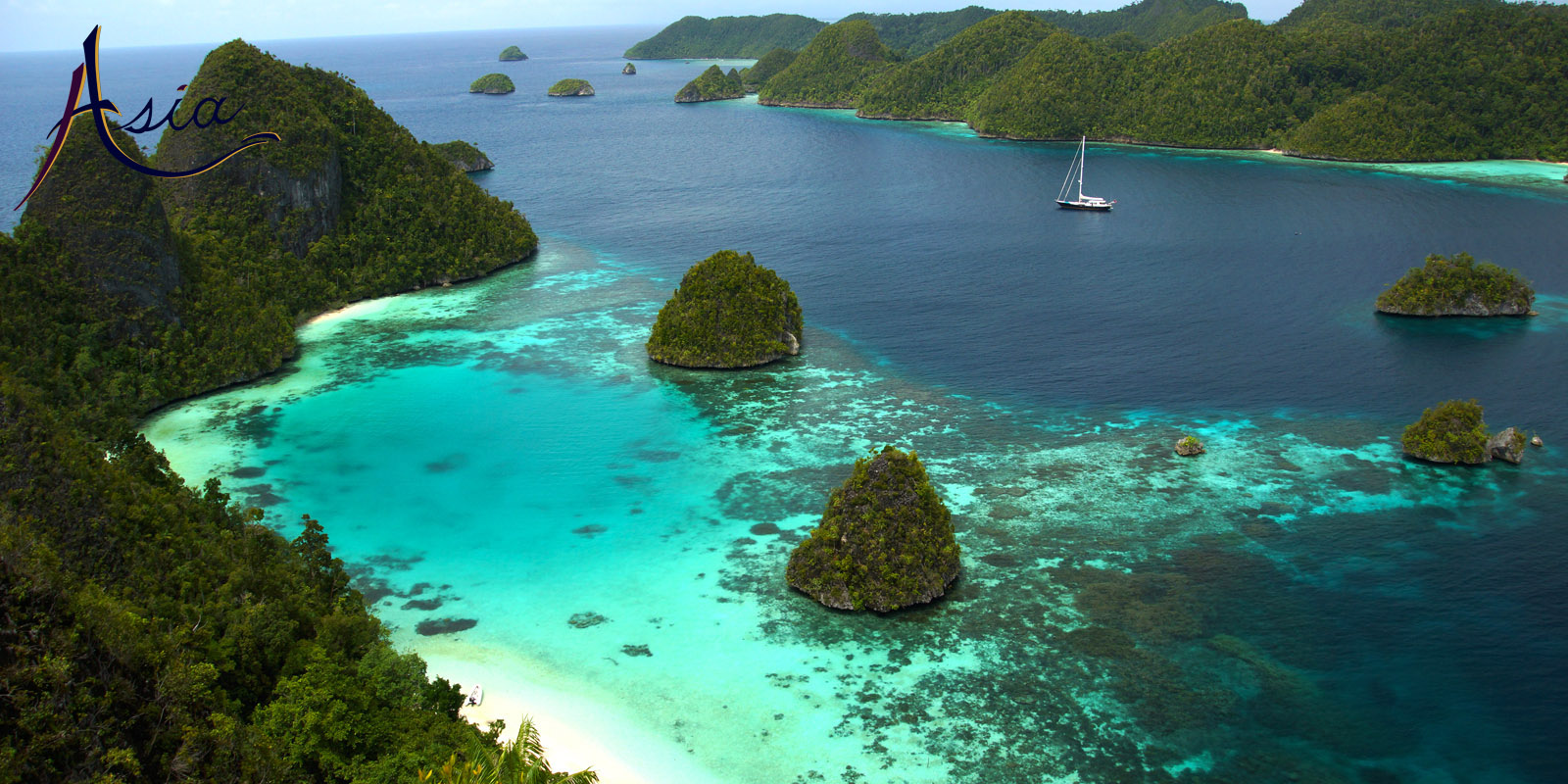 Luxury yacht charters in Raja Ampat Indonesia
