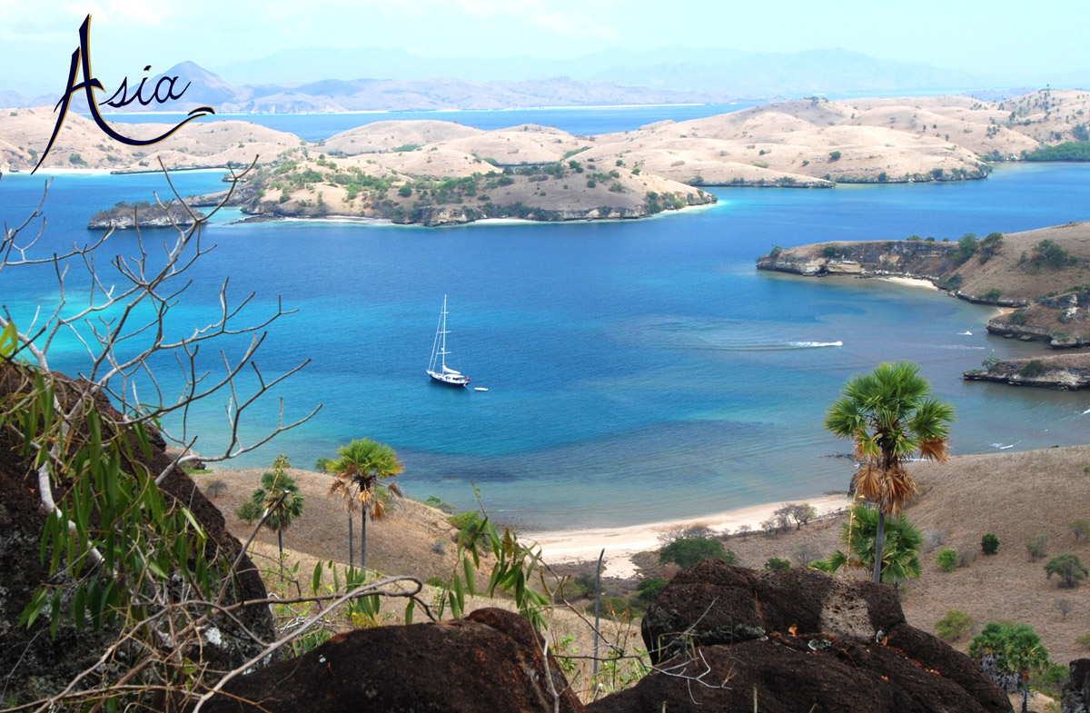 Yacht Charter Komodo Beautiful Remote Anchorages With Sailing Asia
